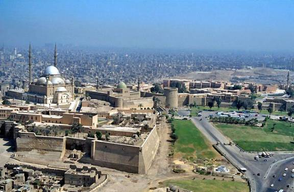 Thelarge mosque visible in GE in the Ayyubid citadel is the much ...